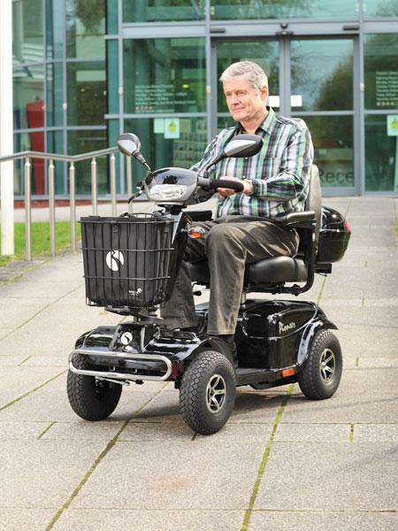 Motorino-per-anziani-bologna-lucca